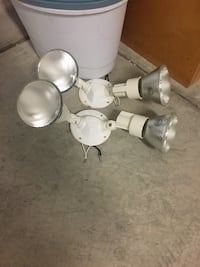 2 flood lights, each with two lights. Had on house for 6 months. $18 or best offer. Albuquerque, 87120