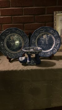 Blue and white toile decorative plate 3 pcs