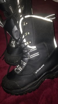 Snowmobile boots women's 7 Whitby, L1N 5Z2