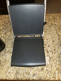 Breville grill used a couple times comes with out grease tray Edmonton, T6M 0H9