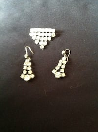 Vintage Pin and Earring set 551 km