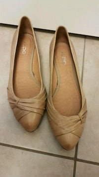NEW Aldo leather pointed-toe flat shoes Calgary, T3N 0E4