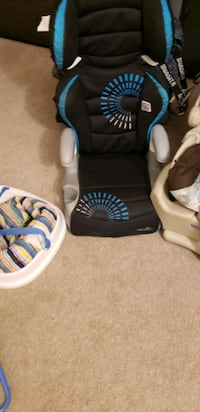 Stuff for a baby  those are a good condition  London, N6H 0B2