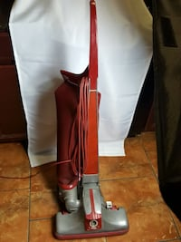 KIRBY 1981 red and gray upright vacuum cleaner Marrero, 70072