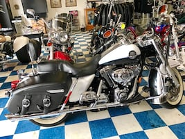 Loaded 2008 Harley Davidson Road King Classic