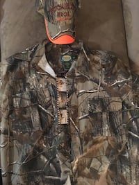 Cabelas jacket and hat  1970 km