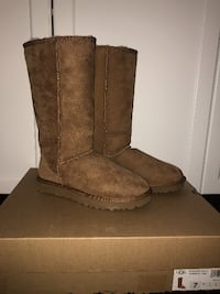 BRAND NEW UGGS Classic Tall II Boot TORONTO