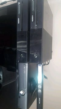 2 Xbox one's and a Xbox 360s w/ Kinect Lethbridge, T1J