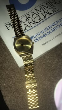 round gold analog watch with link bracelet Springfield, 97478