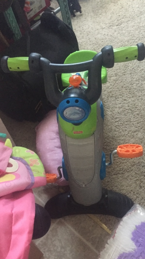 3cc315c65ce Used Green and black stationary bike plastic toy for sale in Granbury -  letgo