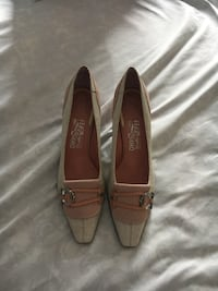 pair of brown leather flats Germantown, 20874