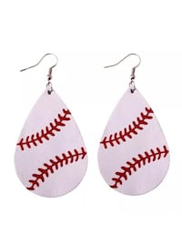 pair of white-and-red earrings Vallejo, 94591