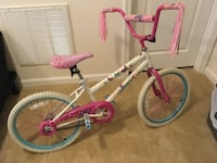 Toddler's pink and white bicycle Chantilly, 20105