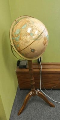 Brown footed pedestal globe on stand Markham, L3R 8E1