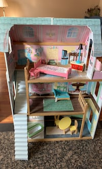 Doll house with furniture  Toronto, M9B 5A8