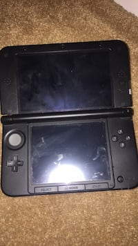 3DS XL red without charger Chester, 23831
