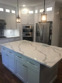 WHOLESALE KITCHEN CABINETS FREE DESIGN And QUOTE!!