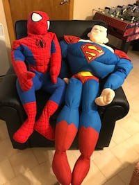 4 feet tall Spider-Man and Superman Montréal, H1C 2G3