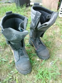 Used Blundstone Boots, Size 9