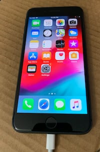 iPhone 8 Plus 64GB unlocked w/apple care + warranty $650 Edmonton