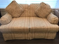 NORWALK TWO SEATER COUCH (LOVESEAT) Maple Ridge, V2X 3M2