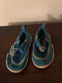 Toddlers speedo water shoes sz small Camarillo, 93010