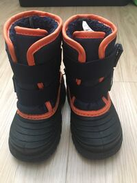 Toddler snow boots size 5 EUC Vancouver, V6G
