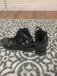 pair of black-and-gray camouflage sneakers Ajax, L1S 5W6