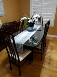 Dining room table set with 6 chairs Richmond Hill, L4E 0S6