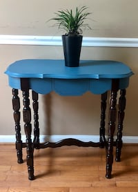 Entry table/ entryway/ side table  Gainesville
