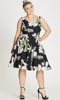 NEW 2XL Fit and flare dress Montréal, H1K 2X9