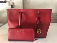 Red Micheal kors purse and wallet Sacramento, 95822
