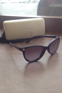 black framed Ray-Ban eyeglasses with case Edmonton, T5A 0T1