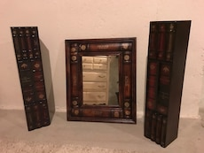 Mirror and 2 cd towers set (60 cd's capacity each)