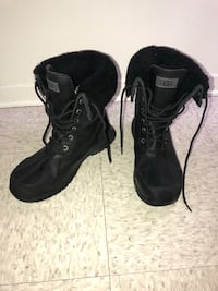 Pair of black leather boots taille 9 Montréal, H1Z 3N8