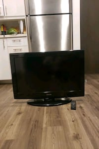 "Toshiba 32"" TV With Wall Mount  Cambridge"