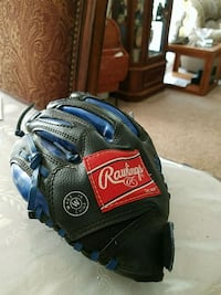 Youth Rawlings Baseball Glove Amarillo, 79119