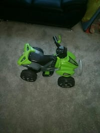 green and black ride on toy car Capitol Heights, 20743