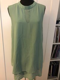 Forever 21 green sleeveless top Size S $5