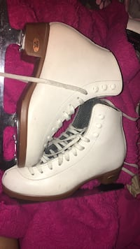 Riedell white figure skates  Germantown, 20876