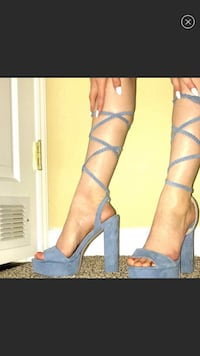 Women's pair of blue heeled shoes size 6.5 Charlotte, 28208
