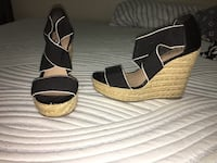Pair of black-and-brown wedge sandals Brownsville, 78520