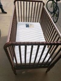 Evenflo baby bed with mattress