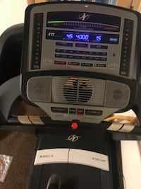 Treadmill with built in fan and Bluetooth speaker