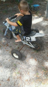Electric dirtbike with training wheels welded Panama City, 32404