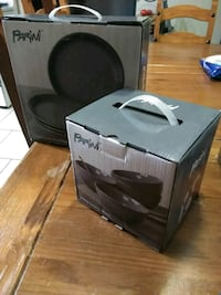 black and gray Alpine subwoofer speaker with box Moreno Valley, 92553