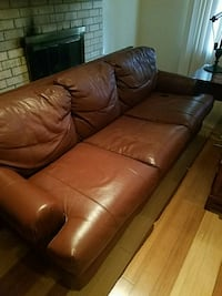 Leather couch Arlington, 76012