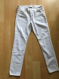 American Eagle stretch white jeans, ladies size 10 - $15 Mississauga, L5L 5P5