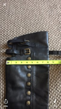 Knee boots new conditions size 12 women's  Des Moines, 50313