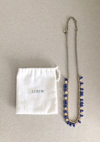 Perfect condition. comes with small pouch. gorgeous periwinkle  blue and crystal colour Mississauga, L5M 0C5